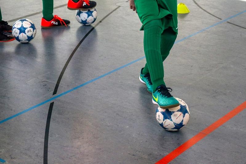 4.複数のサッカースクールに体験参加しましょう